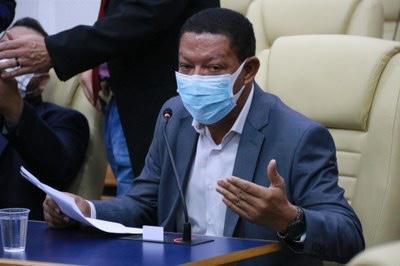 Goiânia: Vereador quer a instalação de barreira de proteção acrílica em ônibus