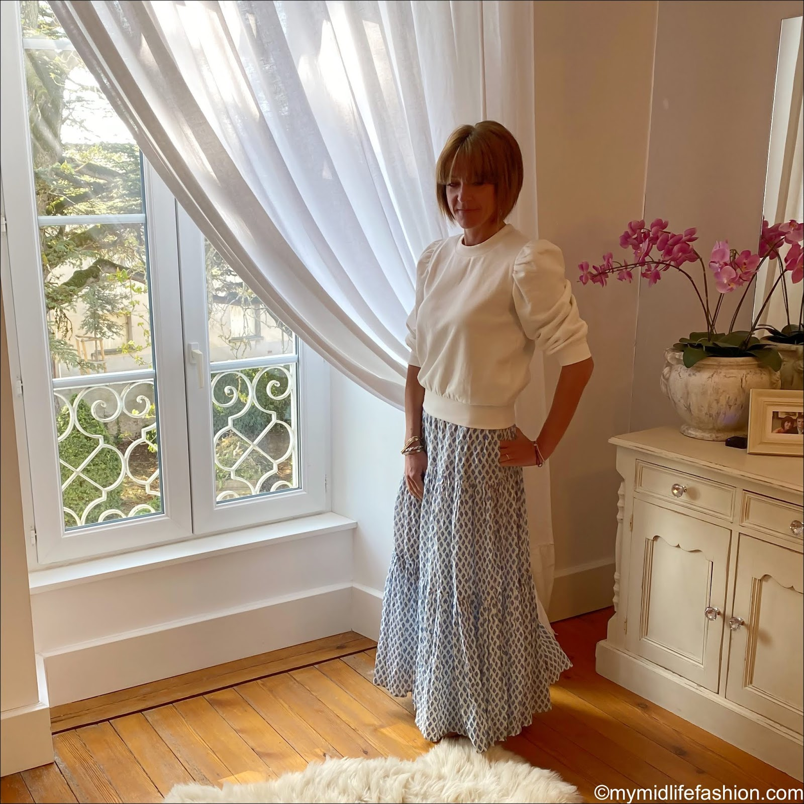 my midlife fashion, H&M puff sleeve sweatshirt, zara tiered maxi skirt, H&M pointed ballet flats