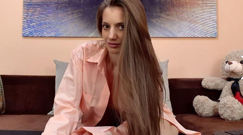 AlexiaVeturra Model GlamourCams
