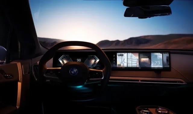 BMW's iDrive 8 brings autonomous driving closer