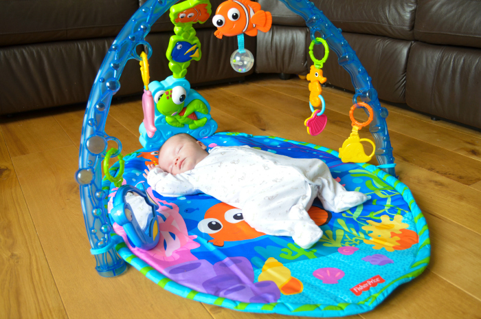 Review Fisher Price Finding Nemo Undersea Adventure Gym