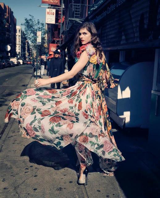 Alexandra Daddario iphone Wallpaper Free Download