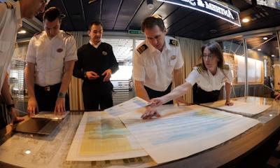 Navigational Officers on cruise ship  Навигационные офицеры на круизном корабле
