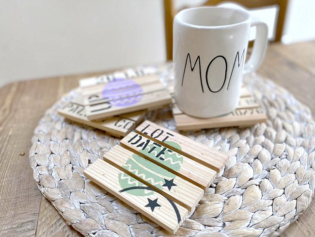 How to Make Pallet Easter Drink Coasters