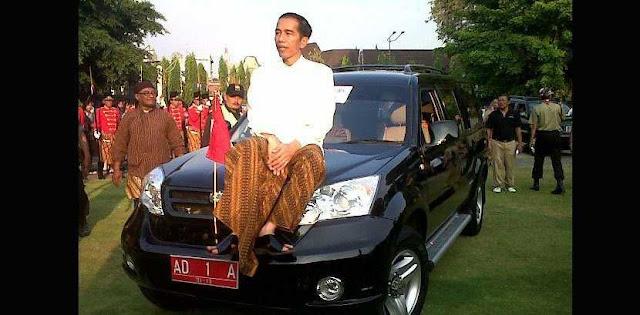 "Marwah Jokowi Sudah Hancur Sebelum Bergelar ""Cak Jancuk"""