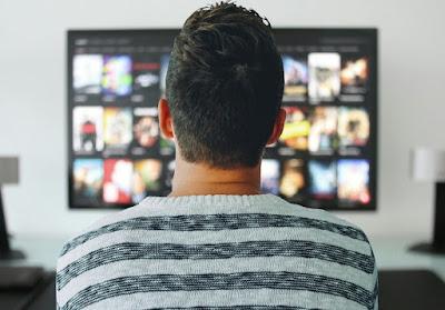 4 Tips Menonton TV yang Baik dan Benar Agar Tidak Merusak Mata