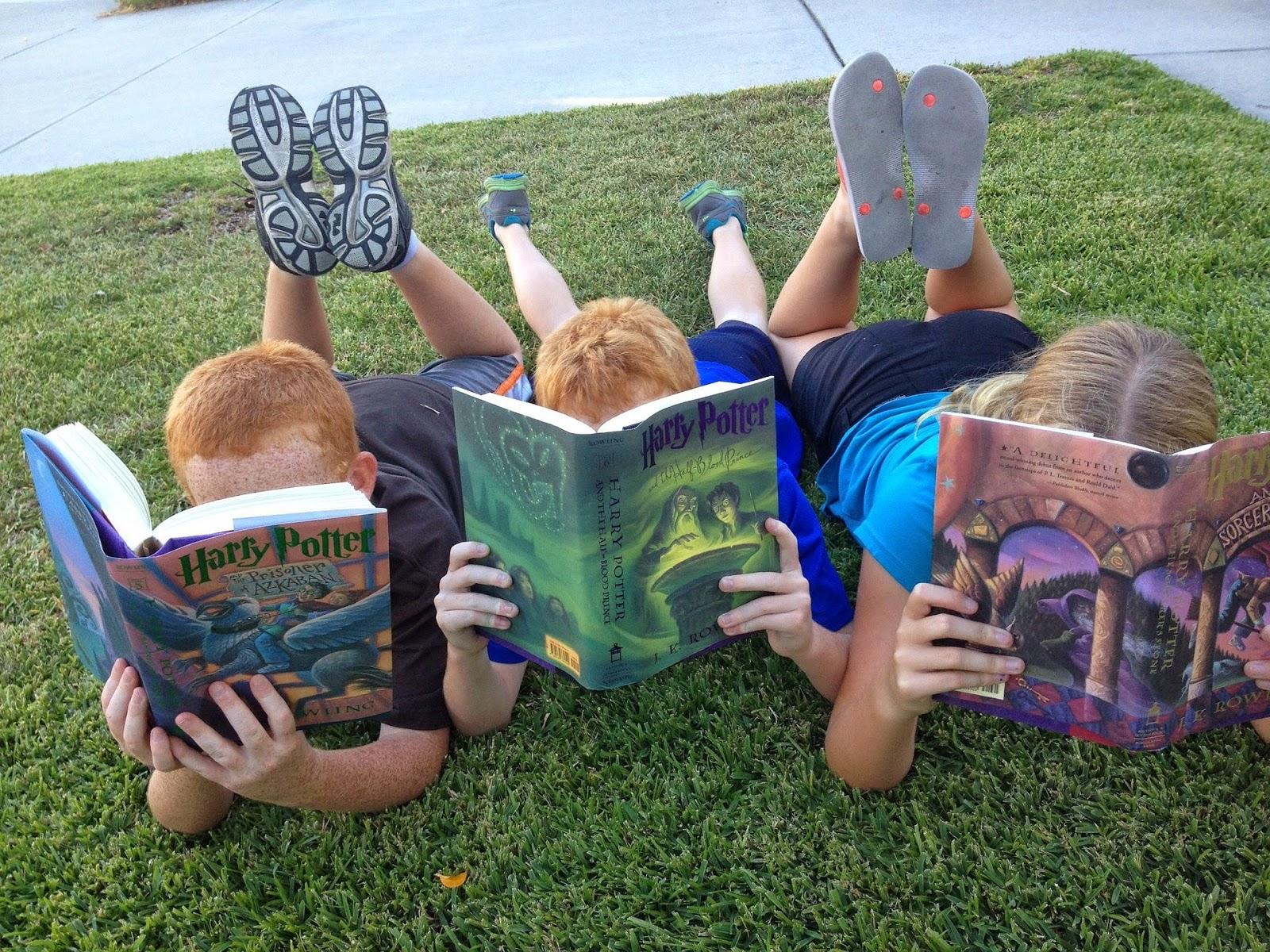 Crianças leitoras