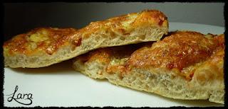 http://cucinaconlara.blogspot.com/2018/06/pizza-in-teglia-alta-e-sofficissima.html