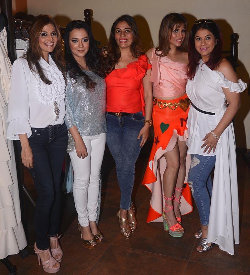 Tanaz, Jhelum, Renu Bhandarkar, Monaz and Bhavna Jasra