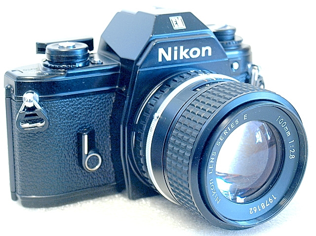 Nikon EM, Nikon Series E 100mm F2.8, front left