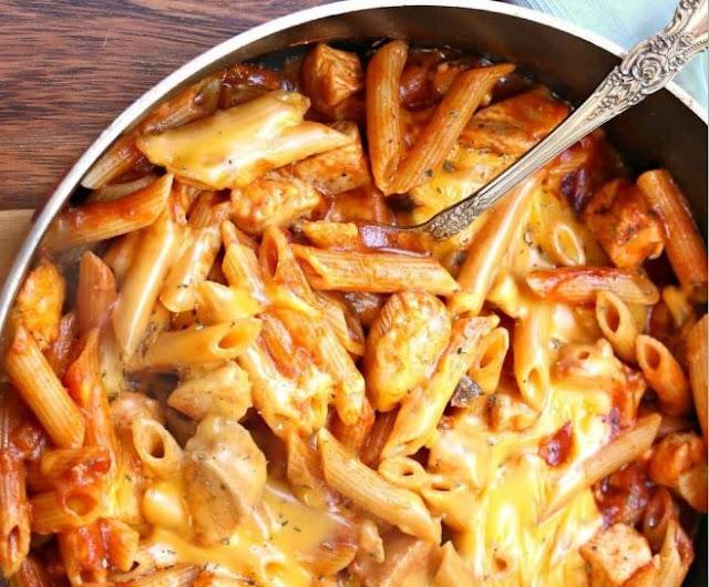 One Pot Cheesy Chicken Pasta #pasta #dinner