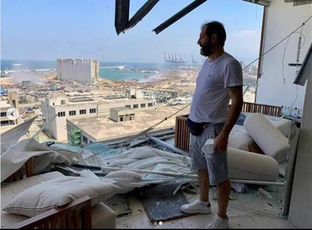 الفنان عادل كرم على أنقاض منزله بلبنان: يا ضيعان العمر