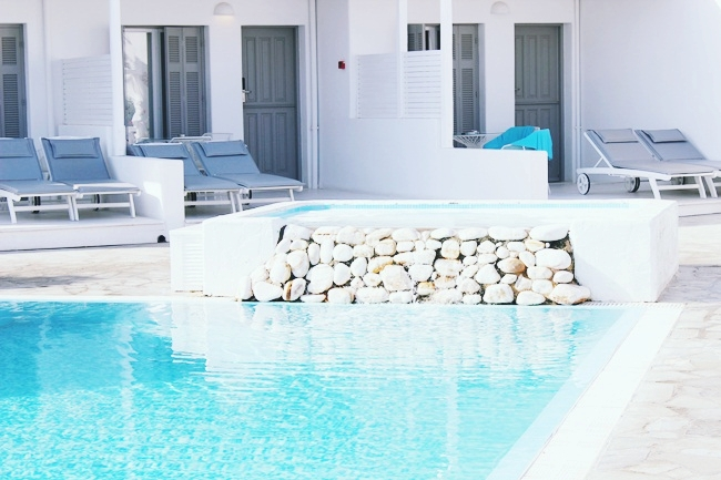 luxury hotel pools in Greece