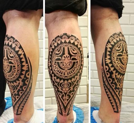 Esta tatuagem tribal é mais tribal projeto de línguas (em relação a um anterior tatuagem tribal). Ele mostra características comuns na arte tribal que são bonitas e complicadas.