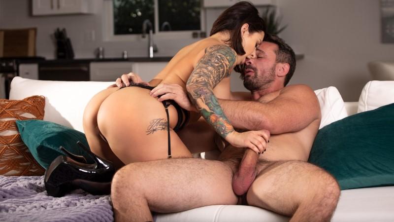 Babes – Passion: Ivy & Manuel – Ivy Lebelle
