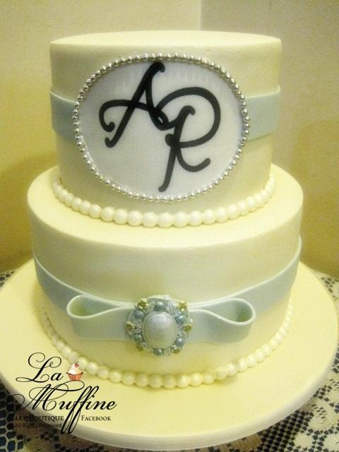 La Muffine: Elegance 2 tier Wedding cake