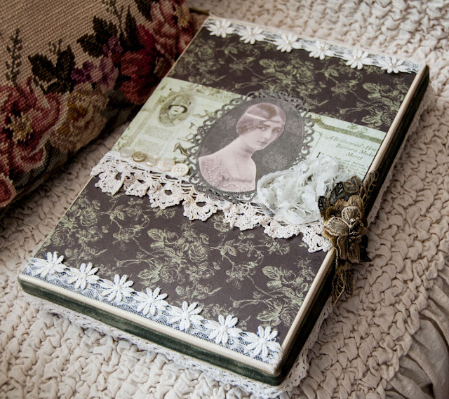 Paper doll box by http://lace-age-girl.blogspot.com.au/2016/03/a-suitcase-full-of-lace-treasures.html