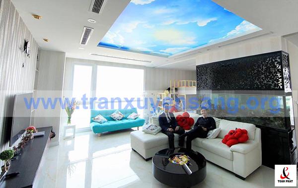Trần xuyên sáng in bầu trời sử dụng cho phòng khách biệt thự theo phong cách hiện đại