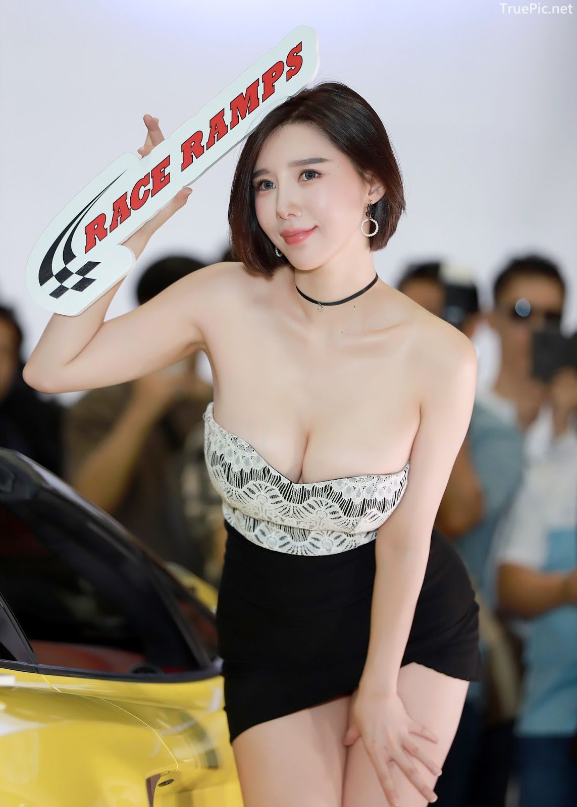 Korean Racing Model - Song Jooa - Seoul Auto Salon 2019 - Picture 1