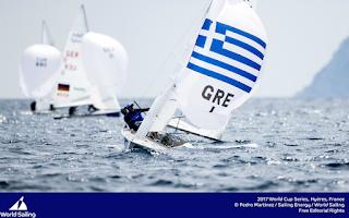 Η ελληνική ιστιοπλοΐα συνεχίζει να γράφει χρυσές σελίδες στον αθλητισμό. Αυτή τη φορά διέπρεψε στο παγκόσμιο πρωτάθλημα του Ιέρ της Γαλλίας.