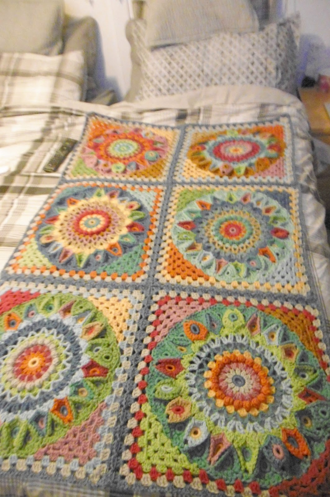 Susan pinner spinning top blanket cal 2017 all in one post for Html tr border