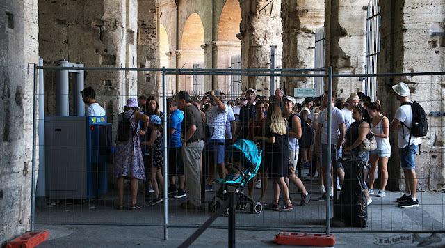 Ponto de Informação Turística da Via del Fiori, Roma, Itália