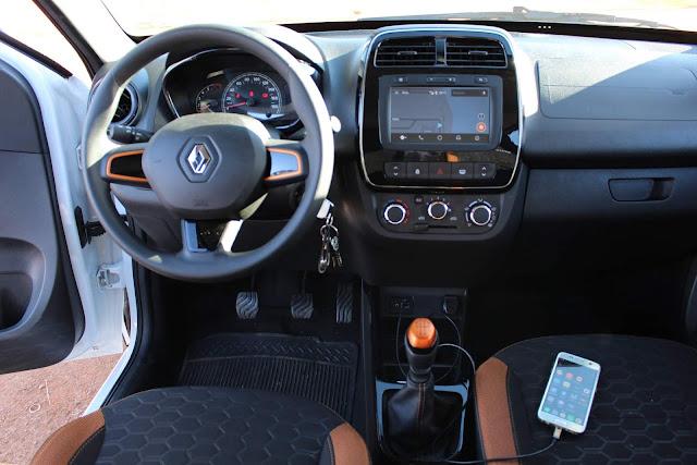 Renault Kwid Outsider 2020 - interior - painel