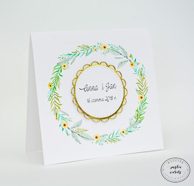 Delikatne zaproszenie ślubne w złotej tonacji