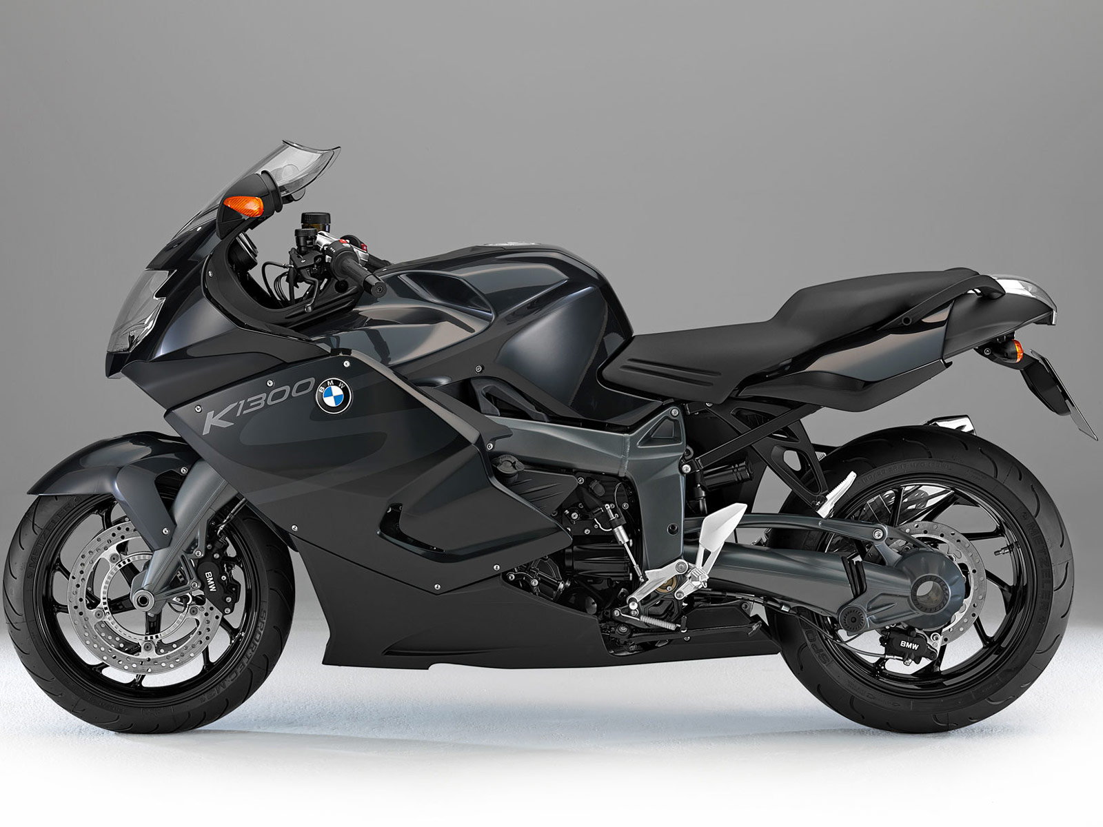 bmw k1300s 2013 bike special. Black Bedroom Furniture Sets. Home Design Ideas
