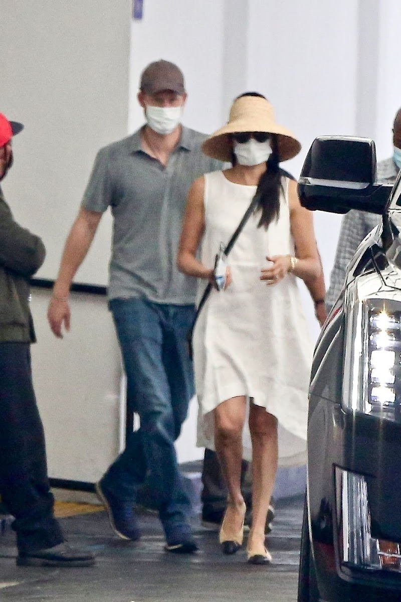 Meghan Markle and Prince Harry Wearing Masks Out in Beverly Hills 12 Jul-2020