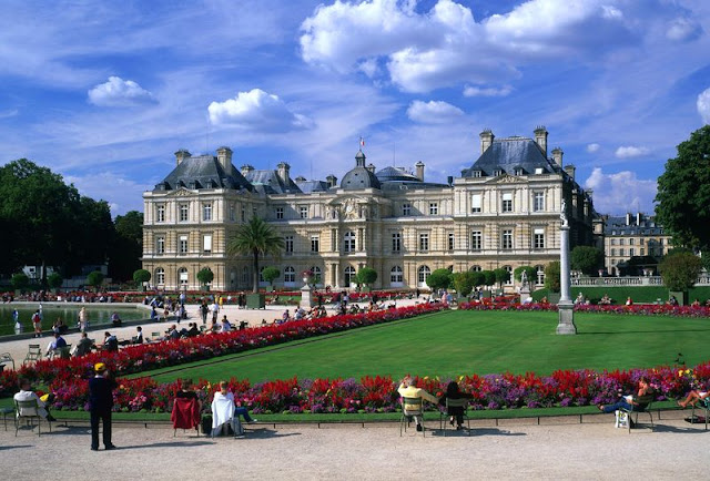 Passeio Romântico no Jardins Luxemburgo em Paris