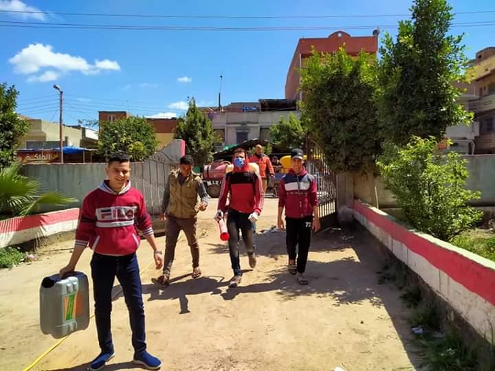 الغنيمي يطلق مبادرة بإيدينا نحمى بلدنا لتطهير وتعقيم مركز شبراخيت
