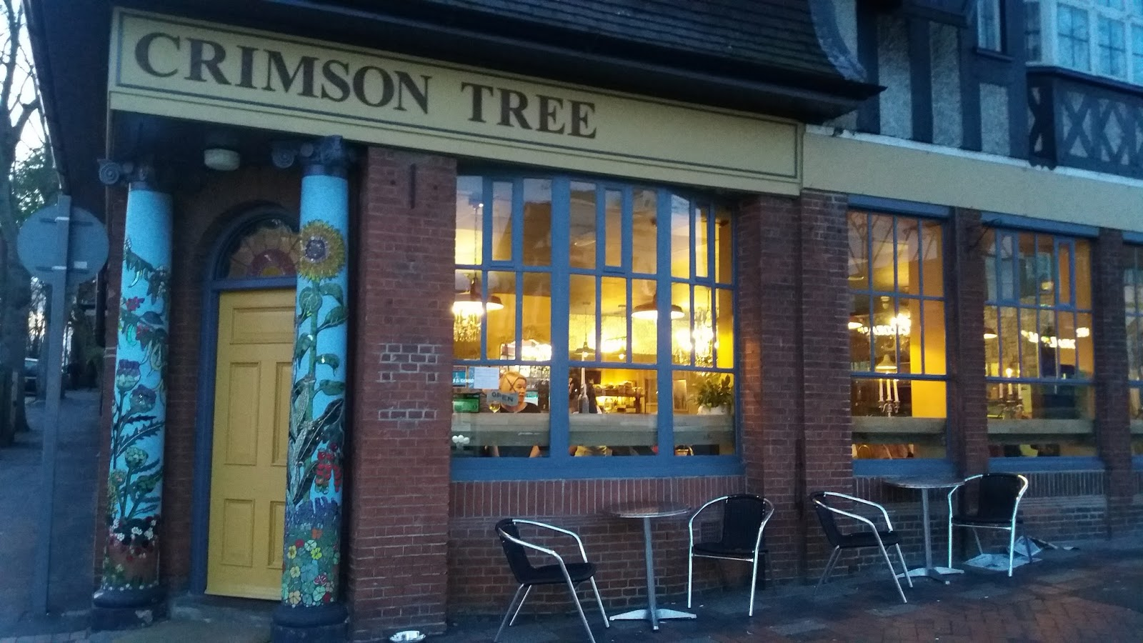 Nottingham Food Lovers: Pizza and Cake at the Crimson Tree Sherwood