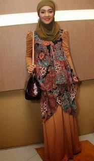 Model Baju Busana Muslim Terbaru Gaya Nuri Maulida