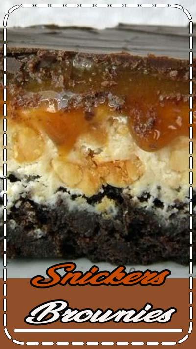 Snickers Brownies, Food blogger, recipe developer, food photographer. Creator of Crunchy Creamy Sweet blog.