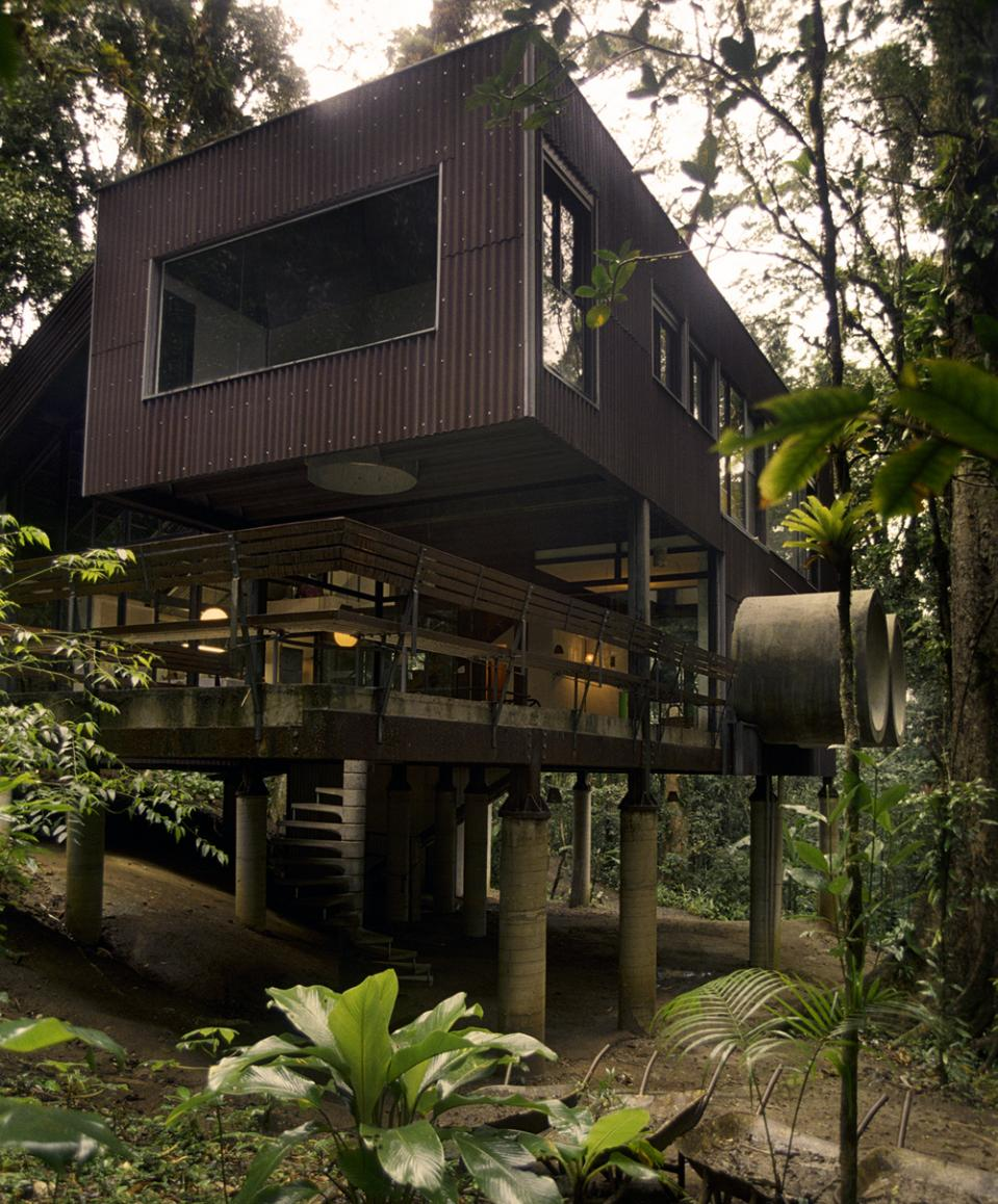 A Beach House: Peppermags: Architecture: Jungle Beach House