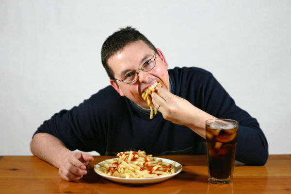 مخاطر الأكل بسرعة.