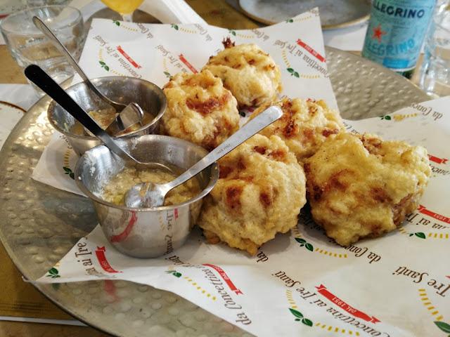 Frittatine di pasta-Pizzeria Concettina ai 3 Santi-Rione Sanità-Napoli