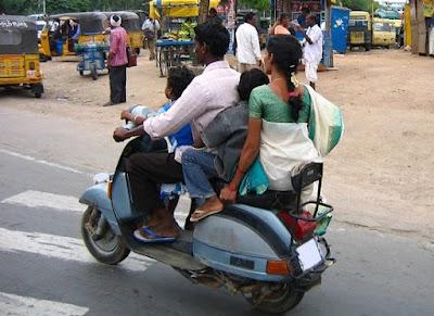 Multas y sanciones por llevar niños en moto