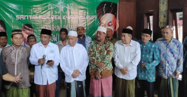 Bersatu Pilih Jokowi, Santri Nderek Kiai