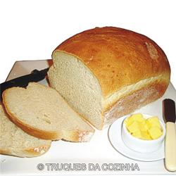 Pão caseiro simples fofinho macio com fermento seco