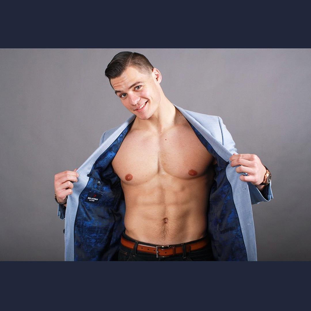 shirtless-sexy-playboy-guys-hunky-fit-strippers