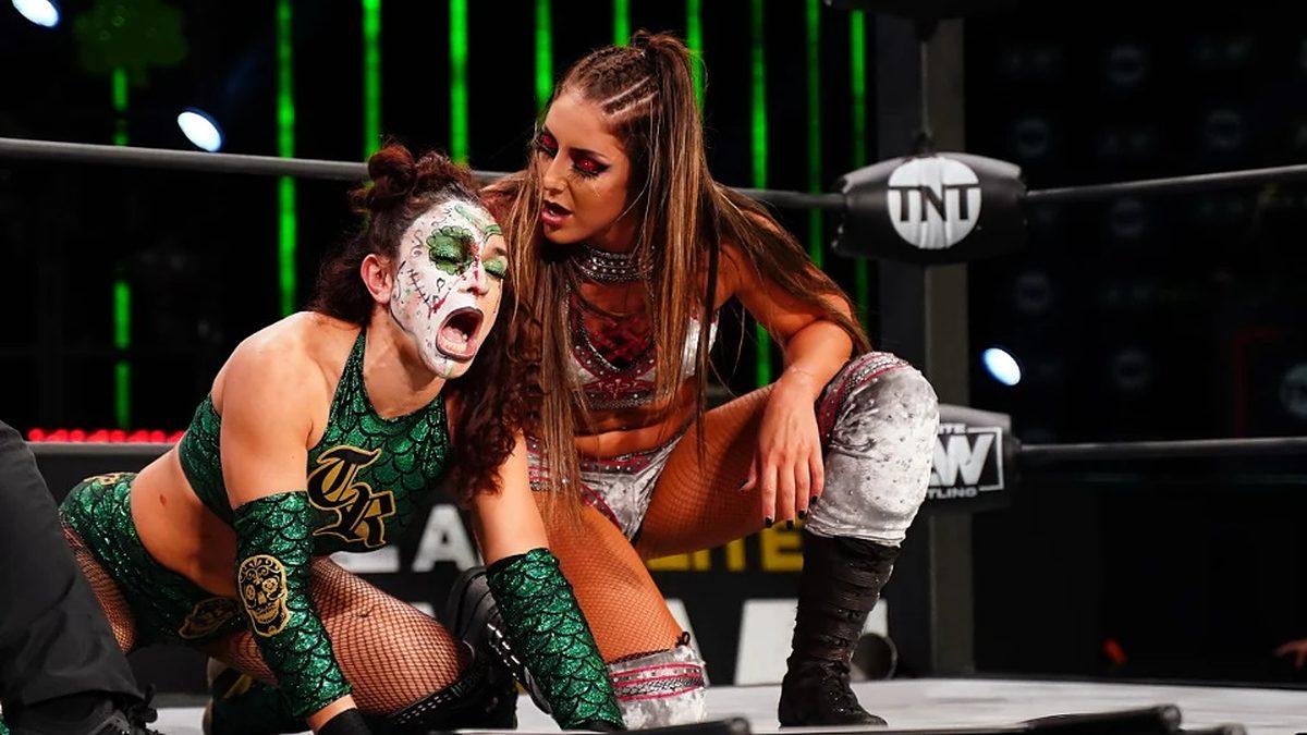 Rivalidade entre Britt Baker e Thunder Rosa na AEW deverá ser revivida em 2022
