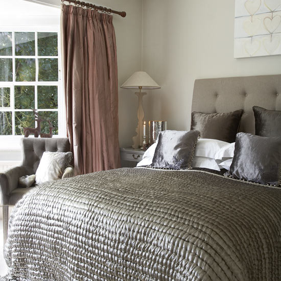 Bedroom Wallpaper With Matching Curtains
