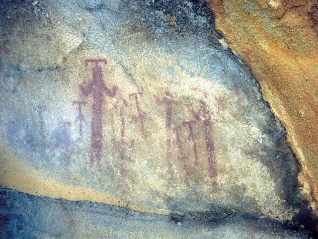 Documenting the rock-paintings on Mount Latmos