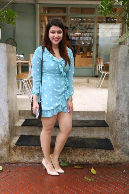 hot thighs, mannara chopra hot images,