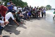 Lepas Tukit Dan Tanam Trumbu Karang Digelar Jelang HUT TNI Ke 75 Di NTB