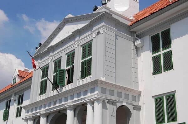 Museum Sejarah atau Museum Fatahillah Jakarta termasuk dari 5 tempat wisata terbaru 2020 di Jakarta dan sekitarnya yang sangat diminati karena keunikan dan keindahannya.