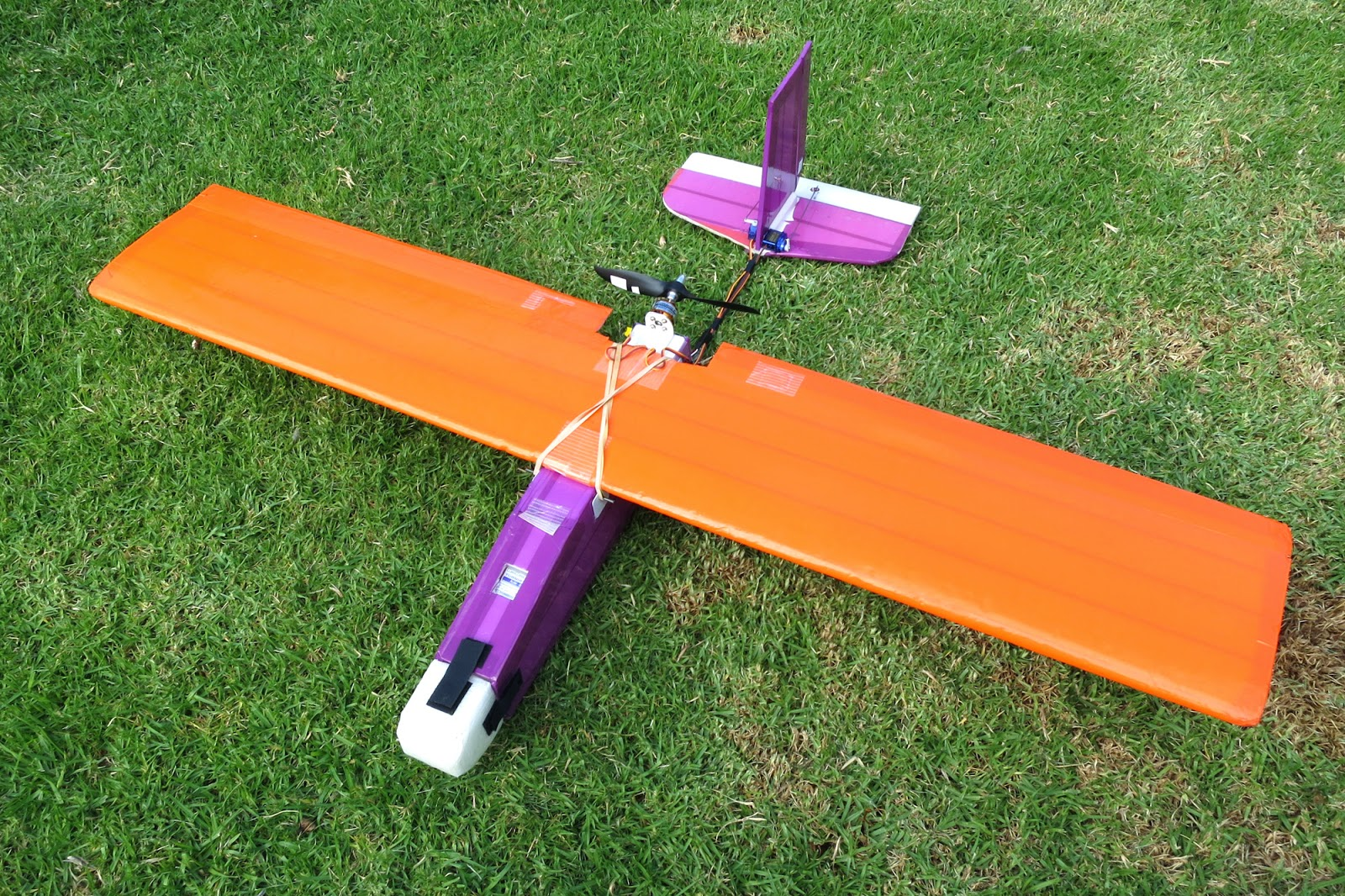 aerobatic rc planes with 2014 04 01 Archive on Erc Micro Spitfire Rtf 24ghz Mode 2 Radio Control Plane additionally Super Zoom Iii 1000mm as well Cessna 152 60 91 Arf Sea174 moreover Index moreover P 81.