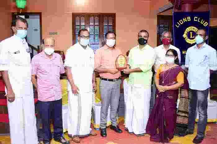 Kasaragod, Kerala, News, Health Supervisor B Ashraf appreciated by Lions Club.